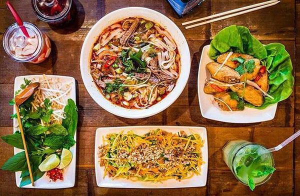 Hanoi street food tour EXPERIENCE